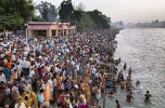 Edward Burtynsty: Kumbh Mela, Haridwar, India, 2010